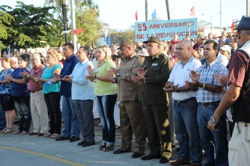 Conmemoran espirituanos 55 primaveras de la victoria. José Ramón Monteagudo Ruiz, miembro del Comité Central del Partido y su primer secretario en la provincia, y Teresita Romero Rodríguez, presidenta de la Asamblea Provincial del Poder Popular, presidieron el homenaje.