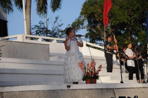 Conmemoran espirituanos 55 primaveras de la victoria. La conmemoración del aniversario 55 de la liberación de Sancti Spíritus contó, asimismo, con la actuación de agrupaciones musicales y solistas.