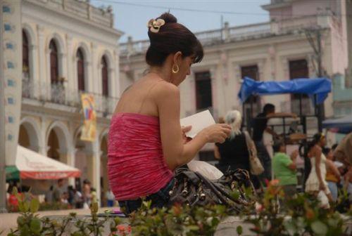 Capítulo espirituano de la Feria del Libro. Las actividades en la villa del Yayabo, que cumple 500 años de fundada el venidero año, tienen lugar en áreas aledañas al parque Serafín Sánchez y en el bulevar.