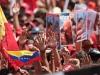 Autoridades de Latinoamérica presentes en acto de solidaridad con Chávez. Adultos, jóvenes y niños marchan con entusiasmo por las calles portando mensajes al jefe de Estado.