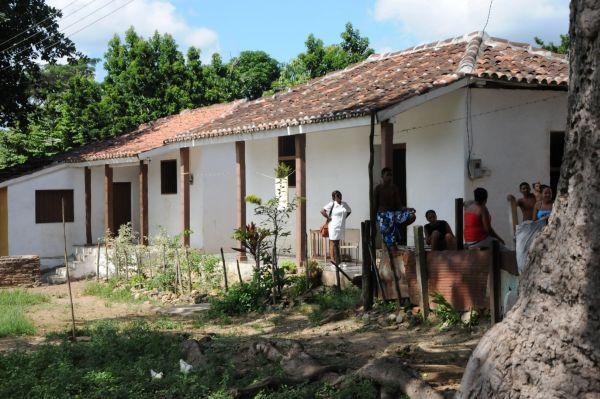 Cinco siglos de supervivencia. Gracias a su buen estado de conservación, el antiguo caserío de esclavos del ingenio Manaca Iznaga, único de su tipo en Cuba, se mantiene todavía habitado.