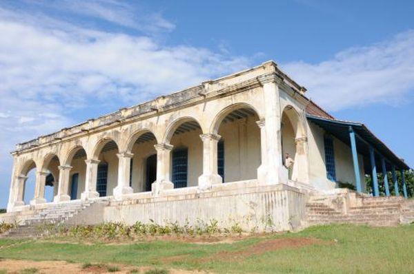 Cinco siglos de supervivencia. El Centro de Interpretación del Valle de los Ingenios radicará en la casa hacienda del ingenio Guáimaro, donde actualmente laboran fuerzas de la Oficina del Conservador.