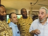 "Fidel Castro junto a James Early, Saúl Landau y Danny Glover. (foto: Tomada de: Fidel Castro: ""I used to be a politician"" http://alongthemalecon.blogspot.com/2009/10/fidel-castro-i-used-to-be-politician.html)"