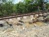 """En muchos lugares sólo sobrevivió lo que los ferroviarios llaman """"el esqueleto de la vía""""."""