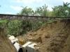 Esta alcantarilla de la zona de Maguas quedó totalmente destruida.