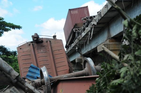 Accidente ferroviario en las proximidades de Zaza del Medio. Foto Vicente Brito.