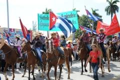 El desfile en Sancti Spíritus. El pueblo espirituano se sumó con creces al llamado de la Patria este Primero de Mayo. (Foto: Vicente Brito/ Escambray)