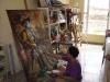 Yudit: Entre hilos, alas y pinceles. Yudit Vidal terminando la pieza que bordara el joven Adrián Carmona Reina, único hombre afiliado al proyecto.