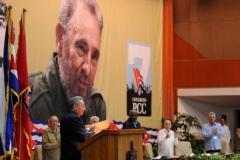 El VII Congreso del Partido. El ordenamiento monetario facilitará crear las condiciones para superar los nocivos efectos del igualitarismo, manifestó Raúl.