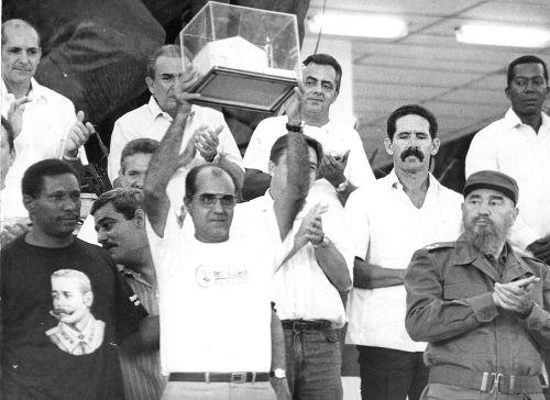 """""""Sancti Spíritus no tuvo un 26, pero tuvo un 28"""", proclamó en la Plaza de la Revolución Mayor General Serafín Sánchez Valdivia el 28 de septiembre de 1996."""