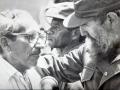 Fidel en Sancti Spíritus. Con Manolo Pérez González, el Puentero Mayor.