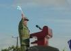 En la Plaza de Los Olivos, de Sancti Spíritus, habla en la Tribuna Abierta de la Revolución convertida en acto de protesta contra el bloqueo, las calumnias y las amenazas del Gobierno de Estados Unidos contra Cuba.