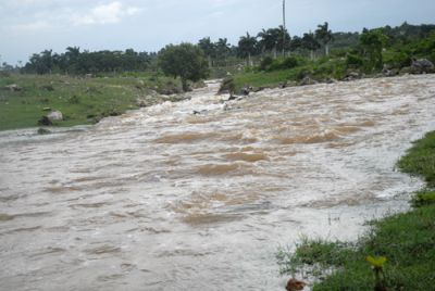 Crecida del Río El Yigre (foto: Oscar Alfonso)
