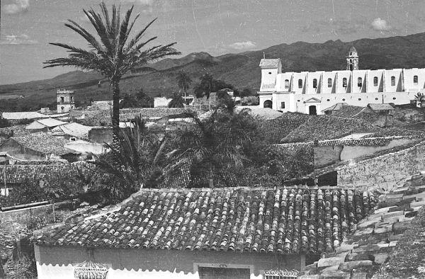 La Trinidad de antaño. La Parroquial Mayor de Trinidad, concluida en las postrimerías del siglo XIX, preside la plaza principal de la tercera villa de Cuba.