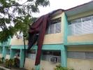 Lo que Irma nos dejó. La furia de Irma arrasó con la cubierta del Policlínico Centro de Sancti Spíritus. (Foto: Reidel Gallo/ Escambray)