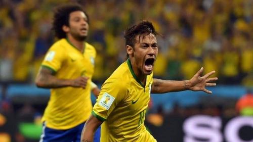 Mundial de fútbol Brasil 2014. Neymar fue la figura de Brasil en el debut de la selección local.