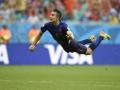Mundial de fútbol Brasil 2014. El holandés Robin Van Persie fue el iniciador de la paliza a la campeona España con su espectacular gol.