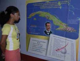 El museo fue inaugurado el 2 de noviembre de 1990 y cuenta con 7 salas de exposición permanente y una transitoria. Su colección atesora valiosos objetos de la familia Sánchez Valdivia y de otros patriotas pertenecientes a las tres guerras por nuestra independencia. Además posee un centro de documentación con valiosos textos que tratan temas de la Historia de Cuba.