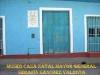 El museo Casa Natal Mayor General Serafín Sánchez Valdivia de Sancti Spíritus, se encuentra ubicado en un edificio de una sola planta, fue construido entre 1825 y 1830, concibiéndose sus paredes en mampostería, los techos con alfardas de madera cubierto de tejas, con piso de loza de barrio y la planta tiene forma de L invertida.