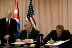 Obama en Cuba. Firma del memorando de entendimiento entre cuba y Estados Unidos para la cooperación en la agricultura y otras esferas afines. (Foto: ACN)
