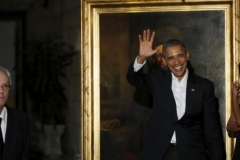 Obama en Cuba. En el Palacio de los Capitanes Generales Obama apreció un cuadro con la imagen de Abraham Lincoln. (Foto: Reuters)