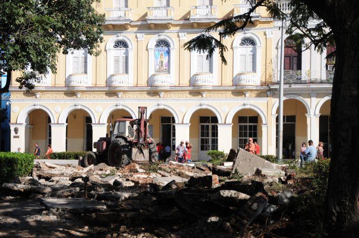Reconstruyen en Sancti Spíritus emblemático parque Serafín Sánchez