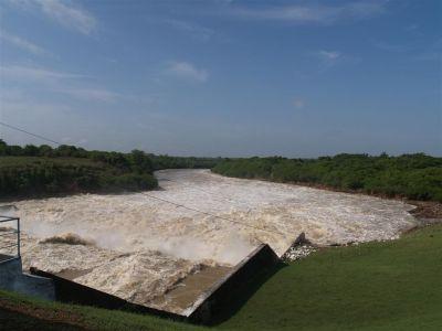 Después de aliviar más de 250 millones de metros cúbicos de agua acumulaba la Zaza acumulaba este domingo a las cuatro de la tarde 887 millones. (Foto: GARAL)