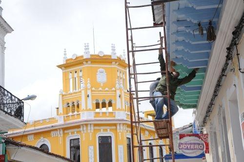 Cientos de edificios públicos y viviendas del centro histórico han sido remozados para la celebración.