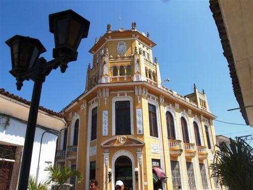 Diversidad de estilos convergen en el patrimonio arquitectónico espirituano.