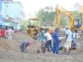 El sector de la construcción aunó a más de 100 hombres para que emprendieran los trabajos en el corazón de la ciudad.