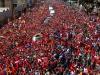 Un mar de pueblo acompaña a Chávez. Chávez se queda en nuestros corazones, se clama en las calles de Caracas.