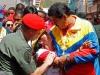 Un mar de pueblo acompaña a Chávez. Chávez le abrió los ojos a millones, les dio cultura y herramientas para construir patria.
