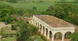 Se afianza el turismo de recorrido en Manaca-Iznaga