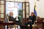 Momento del diálogo de Chávez y José Vicente Rangel.