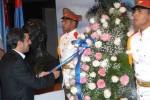 Ahmadinejad rinde homenaje a héroe nacional cubano.