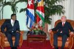 Ambos dirigentes pasaron revista a las relaciones bilaterales.