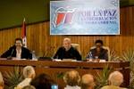 Fidel con intelectuales participantes en la feria del Libro.