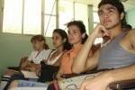 Los jóvenes dialogaron sobre la necesidad de una buena comunicación con sus padres.