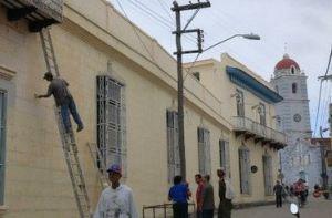 En cada municipio cubano se llevan a cabo preparativos como la identificación de las calles.