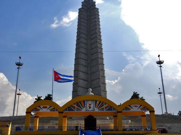 Lista la Plaza de la Revolución de La Habana para misa del Sumo Pontífice.