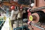 Los obreros están dotados de los medios de protección establecidos por las normas de seguridad del trabajo.