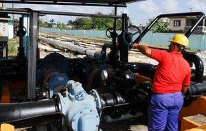 La refinería Sergio Soto de Cabaiguán es una de las empresas que aportan a la producción mercantil del territorio.