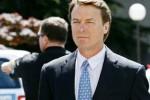 John Edwards es acusado por malversar casi un millón de dólares.