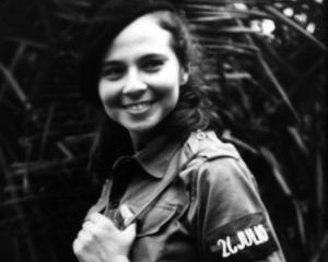 Las espirituanas conmemoran el aniversario 82 del natalicio de Vilma Espín.