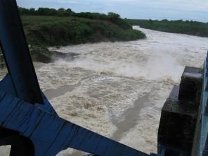 La presa Zaza prosigue aliviando.