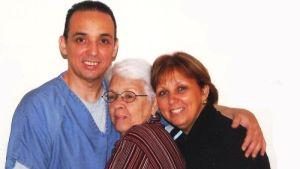 Mirta, junto a Tony y a su hija María Eugenia.