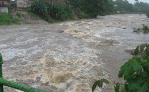 Como consecuencia de las intensas lluvias se registran en Sancti Spíritus 619 personas protegidas, de ellas más de 180 evacuada. (foto: Vicente Brito)