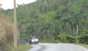 En la carretera que comunica Trinidad con Topes de Collantes han ocurrido deslizamientos de tierra.