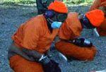 Mantener a los presos amarrados en posición fetal por más de 24 horas sin alimentos, es una de las torturas que aplican en esa cárcel.