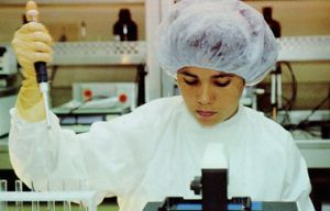 Campa destacó el impacto que en la salud pública cubana han tenido las más de 10 vacunas preparadas por su institución en más de 20 años.